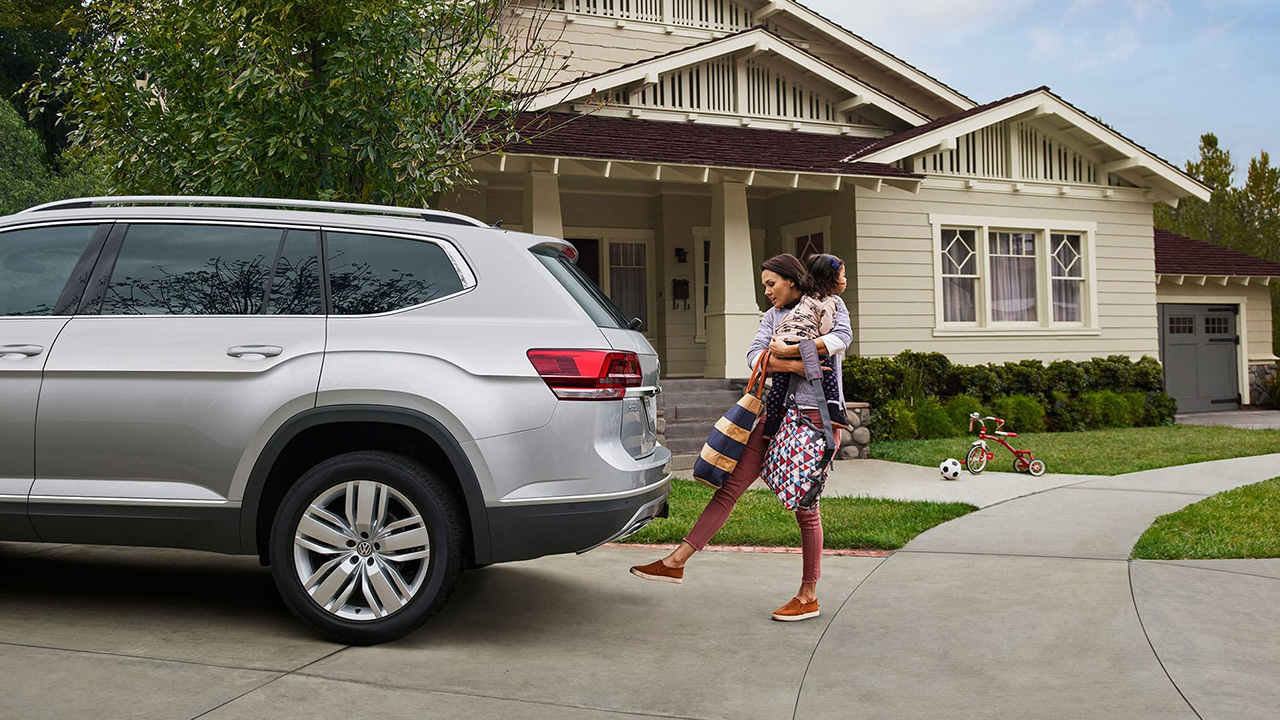 Opening rear with liftgate